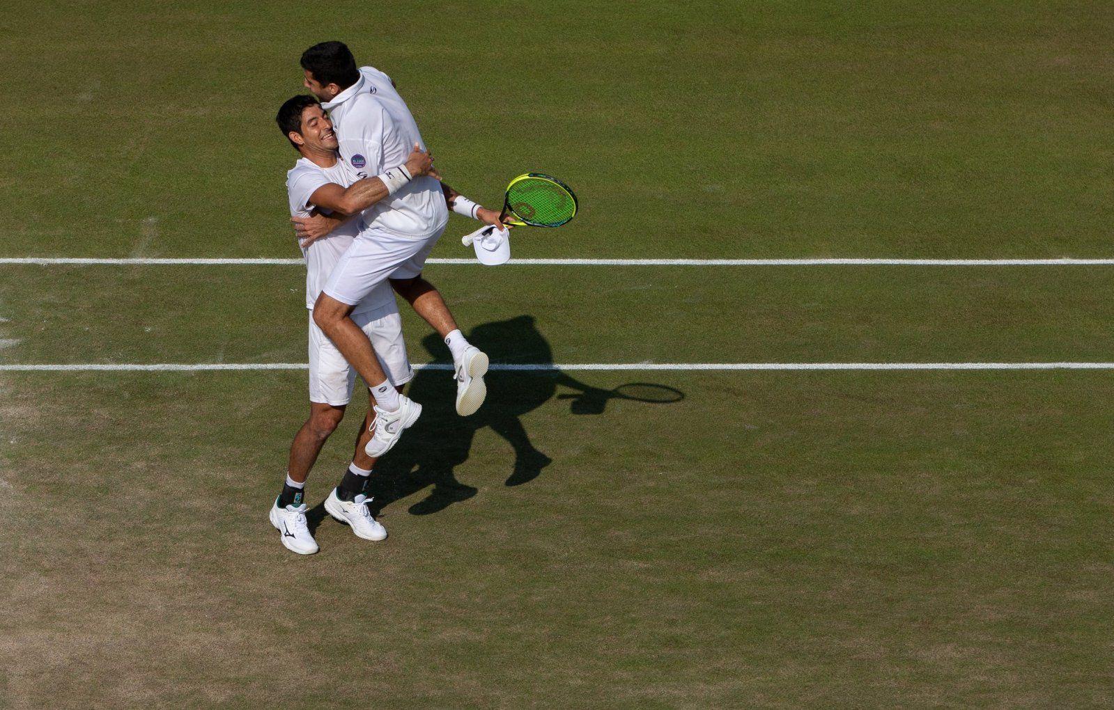 Arevalo e Podlipnik-Castillo esultano per la vittoria