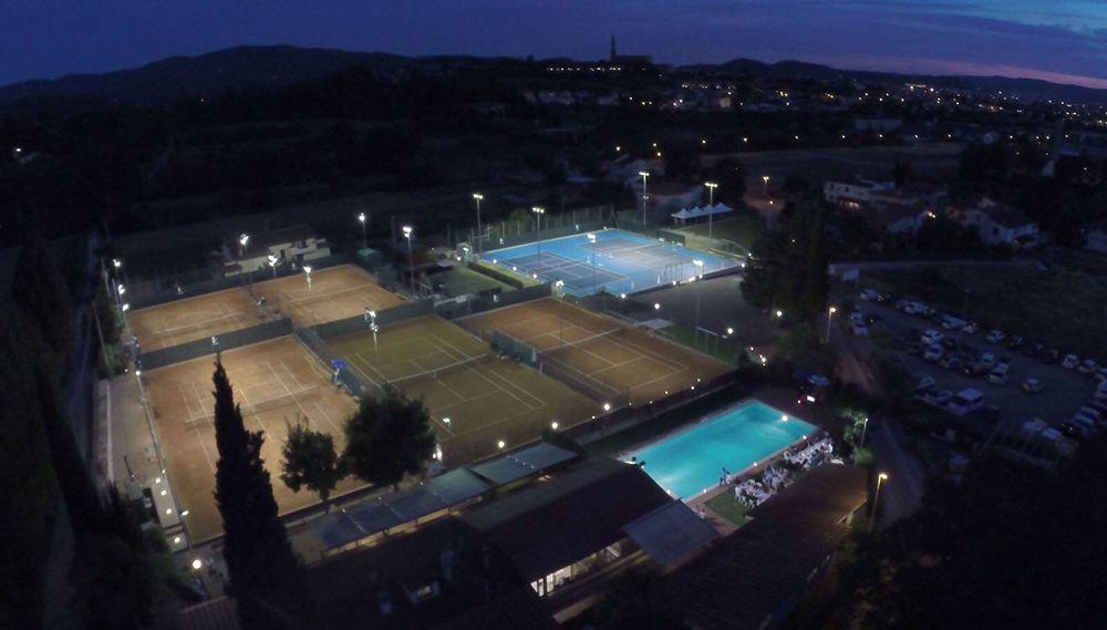 """L'Arezzo Tennis School investe sui ragazzi """"Agevolazioni Economiche per Allenamenti e Alloggi"""