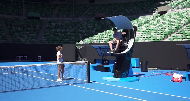 """Video del Giorno: All'Australian Open arrivano le """"scale mobili"""" per i Giudici di Sedia"""