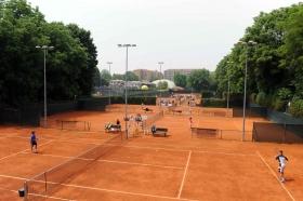 Una panoramica dei campi del Tc Ambrosiano, dove oggi è scattata l'edizione numero 49 del Torneo Avvenire - Foto Francesco Panunzio