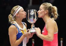 WTA Finals Singapore: Nel doppio titolo a Babos-Hlavackova