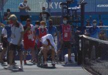 Giochi Olimpici Tokyo 2020: Paula Badosa abbandona il campo in sedia a rotelle per colpa del caldo (Video)