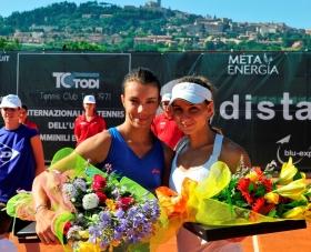 La premiazione della finale femminile, con Balducci e Amiraghyan - (Foto Studio Rosati)