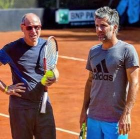 Un insegnante d'eccezione per i giovani talenti della San Marino Tennis Academy