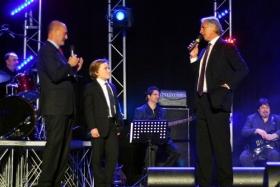 Il Presidente della FIT Angelo Binaghi e il Presidente del CONI Giovanni Malagò con l'11enne Pietro Caiello, tesserato n.300.000 FIT (foto Baccara)