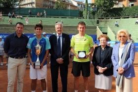 La premiazione del torneo maschile: (foto Francesco Panunzio)