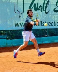 Andrea Borroni ha superato Jacopo Bartolini in rimonta nel primo turno di qualificazione a Lecco - (foto Alberto Locatelli).