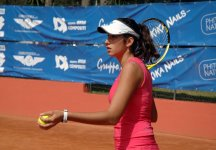 ITF Poitiers: Nastassja Burnett firma l'impresa battendo la ceca Hradecka, n.46 del mondo. Out la Brianti
