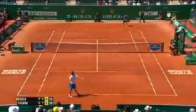 Fabio Fognini ha sconfitto Joao Sousa per 6-4 al terzo set