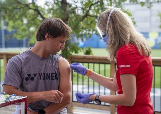 Tennis Canada e la curiosa campagna vaccinale durante il torneo di Toronto.