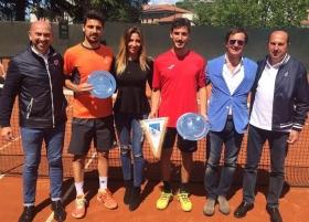 La premiazione dell'Open maschile del Tennis Club Brescia, vinto da Daniele Capecchi (destra) su Omar Giacalone