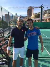 Marco Cecchinato insieme a Novak Djokovic