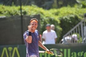 L'esultanza dell'azzurro Marco Cecchinato dopo la vittoria con Carlos Berlocq che gli vale l'accesso in finale dell'Aspria Tennis Cup 2016 - Foto Francesco Peluso