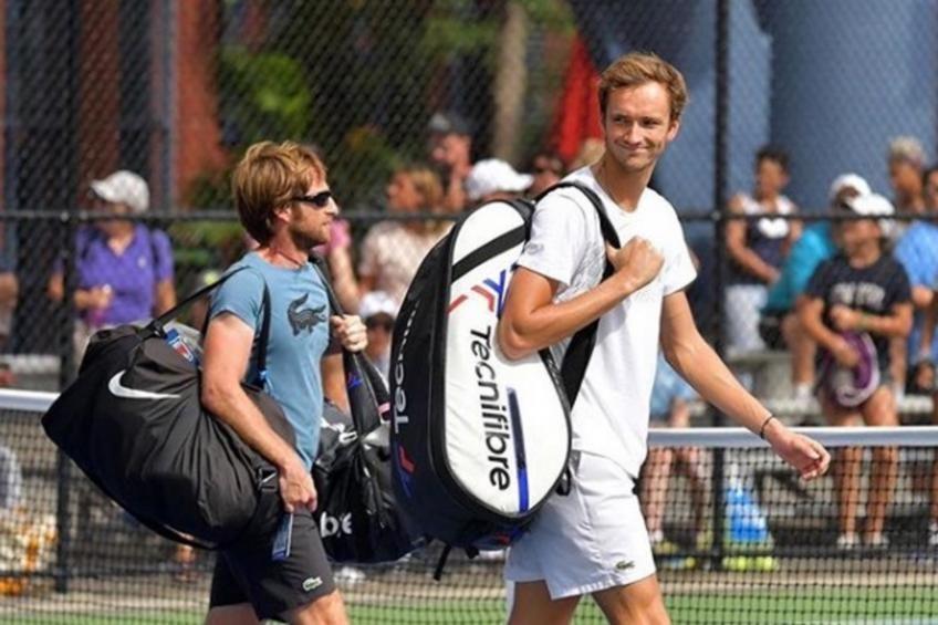 Gilles Cervara con Daniil Medvedev