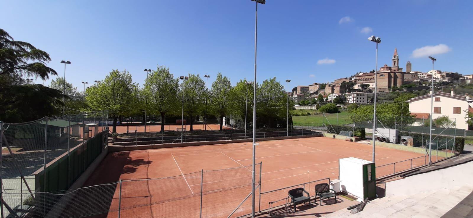 La protesta dei circoli: Il Tennis Club Castiglionese è pronto per ripartire dal 4 maggio, il Governo NO !