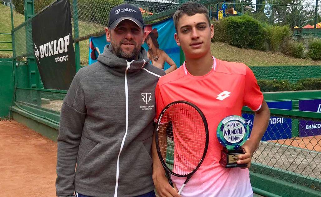 Primo titolo under 18 del giocatore della Rome Tennis Academy Flavio Cobolli, insieme al padre Stefano (ex professionista ed attualmente coach dello stesso Flavio)