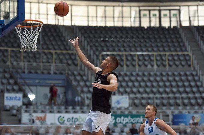 Borna Coric in azione a Zara
