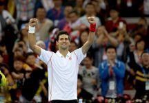 Novak Djokovic stende Nadal e si prende il torneo di Beijing per la quarta volta in quattro partecipazioni. Rafael Nadal si consola riconquistando la prima posizione mondiale (Video)