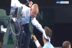 Del Potro tira la cravatta all'arbitro (Video)