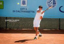 TC Caltanissetta, secondo torneo Open: Alessio Di Mauro è il primo finalista.  La seconda semifinale è in programma lunedì 25 aprile alle ore 12. Chi vince il torneo riceverà una wild card per le quali a Caltanissetta