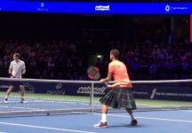 Dimitrov usa un kilt scozzese nell'esibizione con Murray (Video)