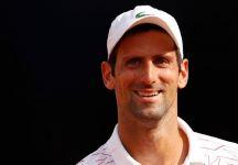 Gioco, Federer!': l'arbitro si sbaglia e cambia il nome a Novak Djokovic (Video)