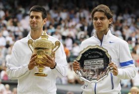 Novak Djokovic e Rafael Nadal durante la premiazione di Wimbledon 2011.