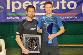 La premiazione del singolare: da sinistra, il finalista Marcin Gawron e il vincitore Markus Eriksson - La premiazione del singolare: da sinistra, il finalista Marcin Gawron e il vincitore Markus Eriksson