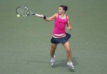 WTA Tokyo: Amara sconfitta per Sara Errani. L'azzurra ha sprecato un vantaggio di un set e di 4 a 1 (e palla per  il 5 a 1 nel secondo) contro Nadia Petrova