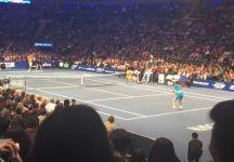 World Tennis Day: Federer sconfitto da Grigor Dimitrov (Roger perde un punto contro un bambino – Video)