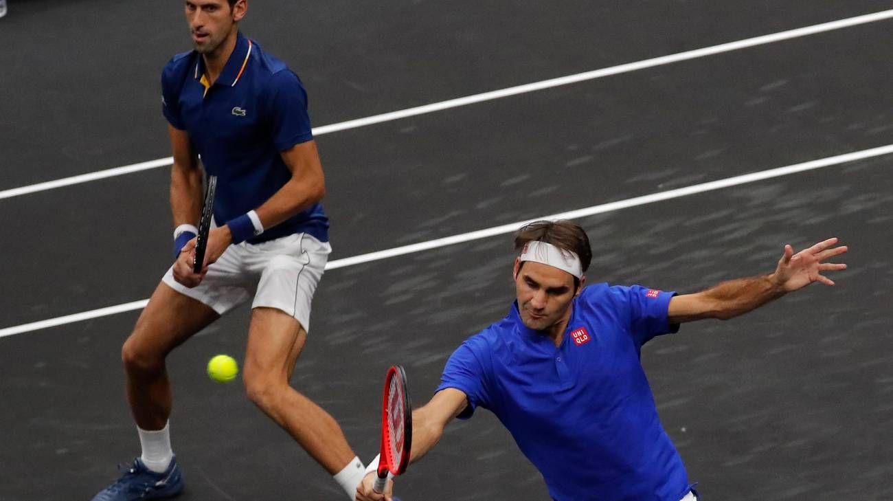 Roger Federer e Novak Djokovic nella foto