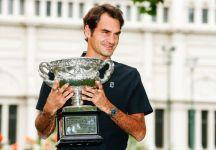 """Toni Nadal si complimenta con Federer per la vittoria a Melbourne e dichiara: """"Giocare di notte ha aiutato Federer"""""""