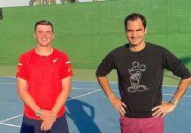 Federer si allena a Dubai con il connazionale Juniores Dominic Stricker