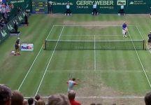 """Video del Giorno: Roger Federer dimentica di aver vinto l'incontro. Lo svizzero dichiara """" Ho completamente sbagliato a fare il conto dei punti nel tiebreak e non sapevo che quel punto fosse match point"""""""