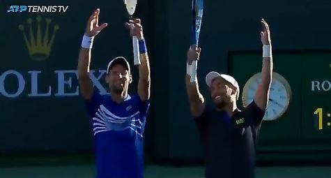 Novak Djokovic e Fabio Fognini nella foto