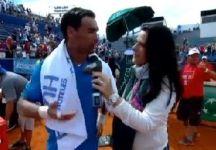 Video del Giorno: La bella vittoria di Fabio Fognini contro Carlos Berlocq (compreso il battibecco con un tifoso) e le dichiarazioni dell'azzurro a fine partita (in versione canterina)