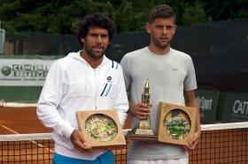 La premiazione a Cortina: il finalista Federico Gaio (a sinistra) e il vincitore serbo Filip Krajinovic - (foto Roberto Vanin).