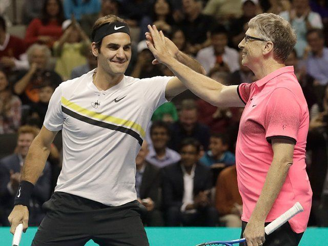 Roger Federer e Bill Gates nella foto
