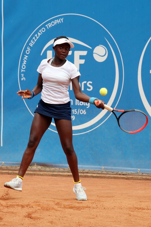 Hephzibah Oluwadare, londinese classe 2007, ha vinto singolare e doppio nel duello fra Gran Bretagna e ItaliaOk