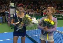 Video del Giorno: Le fasi finali della sconfitta di Camila Giorgi a Katowice (compreso il match point sprecato da Camila. La Cornet che risponde al telefono e la premiazione finale)