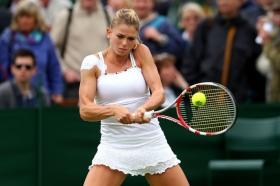 Nella foto Camila Giorgi in azione nel match vinto di primo turno contro la tennista locale Murray