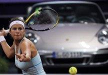 WTA Stoccarda: Inatteso successo di Julia Goerges che supera in finale Caroline Wozniacki