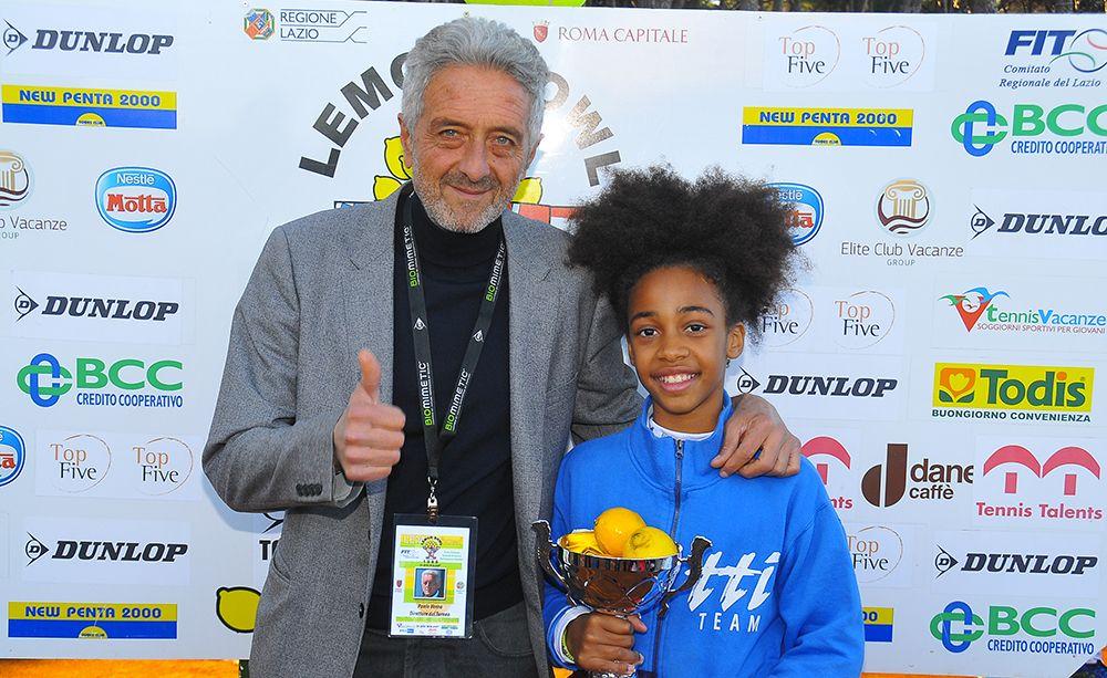 Tyra Grant, vincitrice dell'under 10 femminile, insieme al direttore del torneo Paolo Verna - Foto Biagio Milano