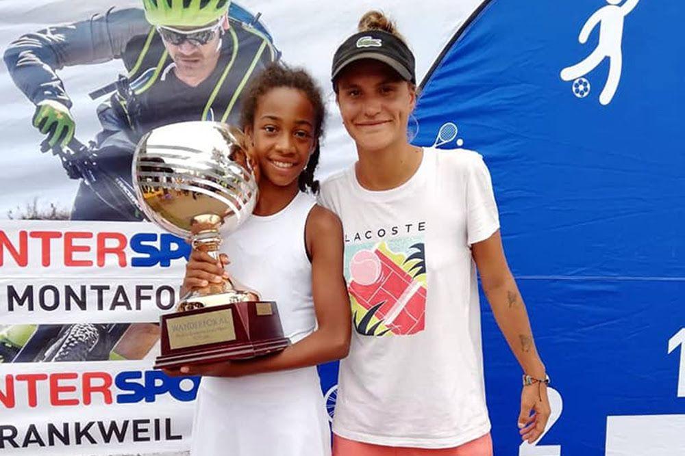Foto 1 - Tyra Caterina Grant, 11 anni, con la sua coach Giulia Bruschi in occasione del titolo Tennis Europe under 12 vinto nel 2019 a Bludenz (Austria)