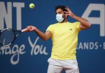 Benjamin Hassan primo tennista a giocare con la mascherina