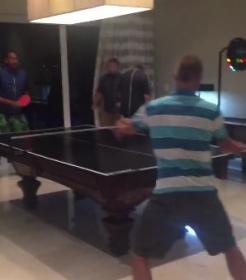 Partita di Ping Pong tra Hewitt e Kyrgios