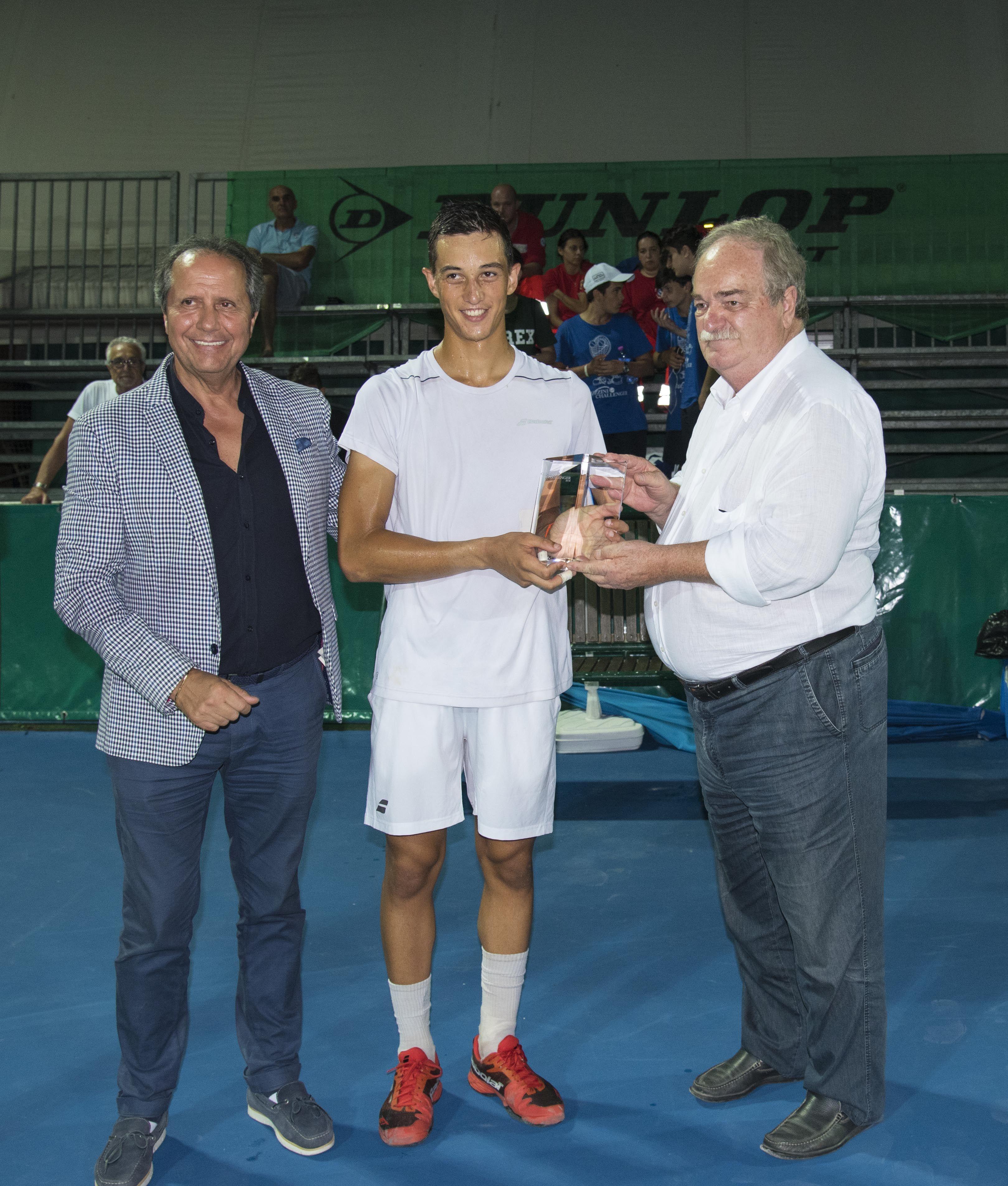 Da Recanati: Il giovane francese Hoang premiato come miglior giovane promessa