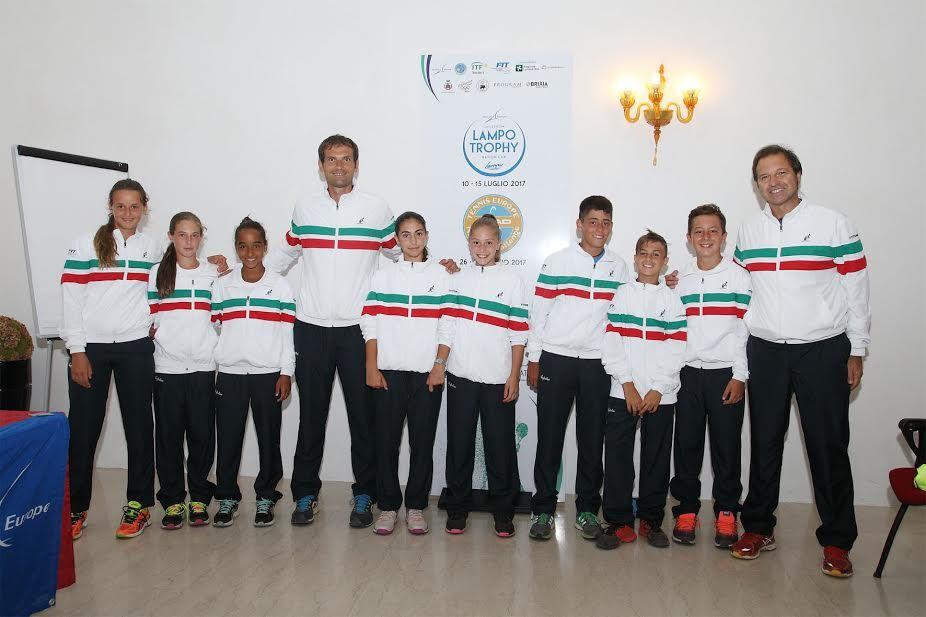 La squadra italiana al completo con i tecnici Fit - Foto Alvaro Maffeis