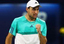 Aslan Karatsev vince il suo primo torneo del circuito maggiore. Il russo si è aggiudicato l'ATP 500 di Dubai