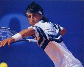 I tennisti ritratti in queste 3 foto, infatti, appartengono a passate generazioni.